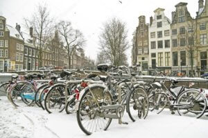 Snowy Bikes In Amsterdam - Ozmedia UK